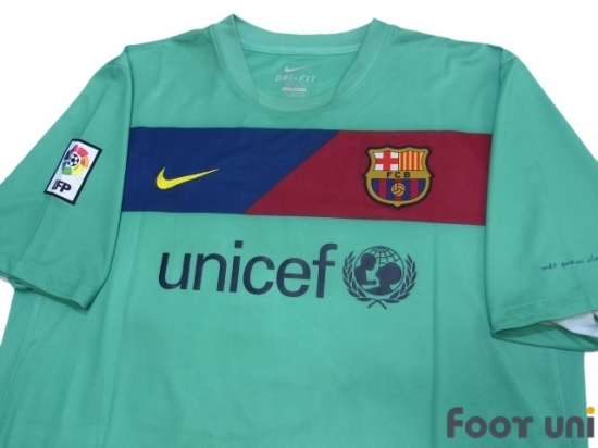 f4f67b49b Barcelona 2010-2011 Away Shirt  7 David Villa LFP Patch Badge   BCN01A0717506
