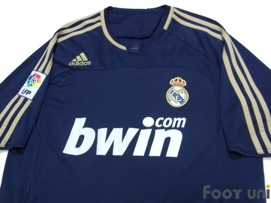 a4c86e6d35b Real Madrid 2007-2008 Away Shirt - Online Store From Footuni Japan